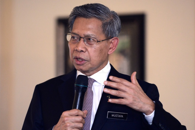 Minister of International Trade and Industry (MITI) Mustapa Mohamed speaks during a media briefing on Trans-Pacific Partnership Agreement (TPPA) at his headquarters in Kuala Lumpur on April 22, 2014. The Malaysian Insider/Najjua Zulkefli