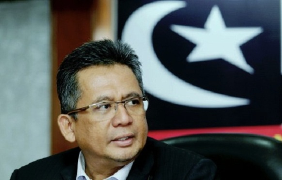 KUALA TERENGGANU 22 APRIL 2016. (WAWANCARA KHAS UNTUK BERITA MINGGU BH) Menteri Besar, Datuk Seri Ahmad Razif Abd Rahman. NSTP/ASWADI ALIAS.