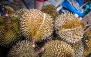 aid414475-728px-Eat-Durian-Step-1Bullet2