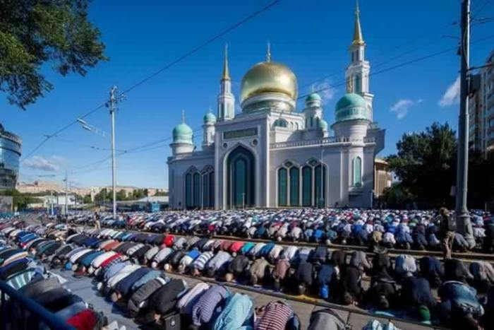 Solat Sunat Aidilfitri di Russia